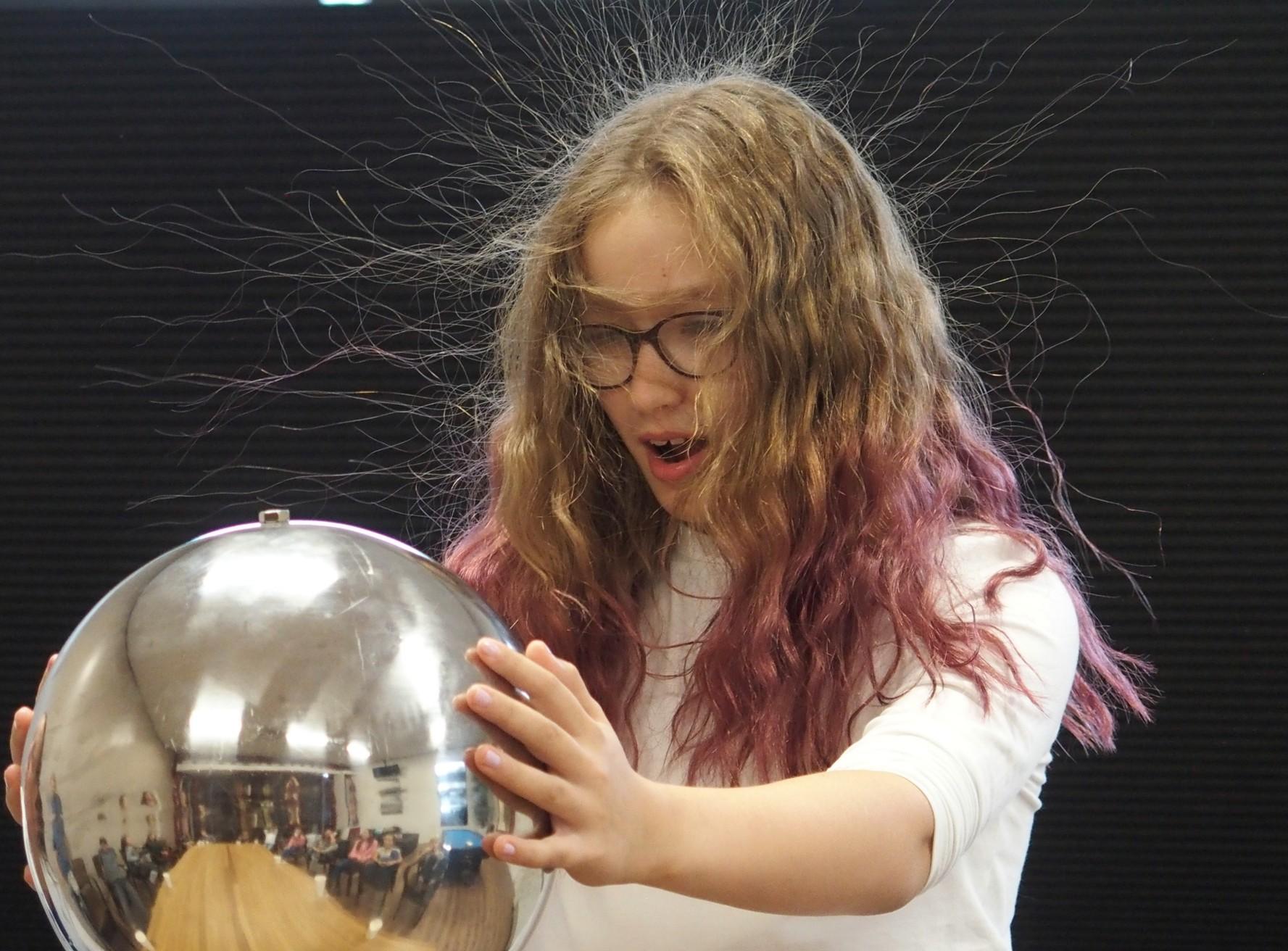 Workshop van Mad Science tijdens de ouder en kinddag in Utrecht
